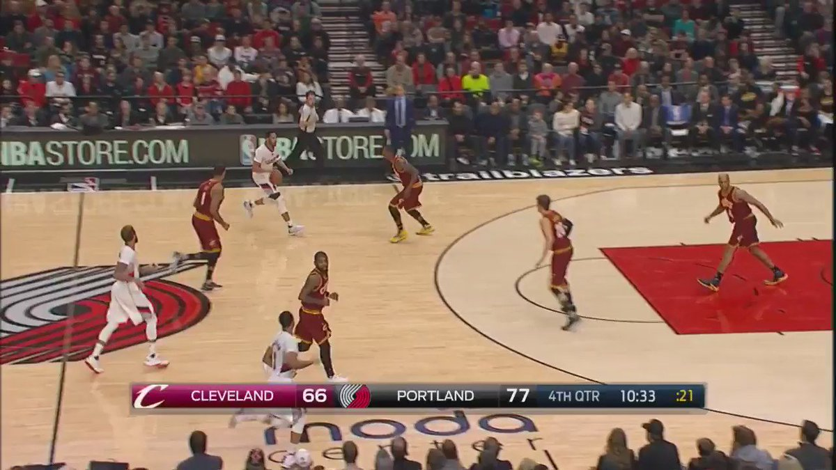 CJ bombing ��s as the @trailblazers extend their lead! @ESPNNBA #NBARapidReplay https://t.co/6m7UmfKrXH