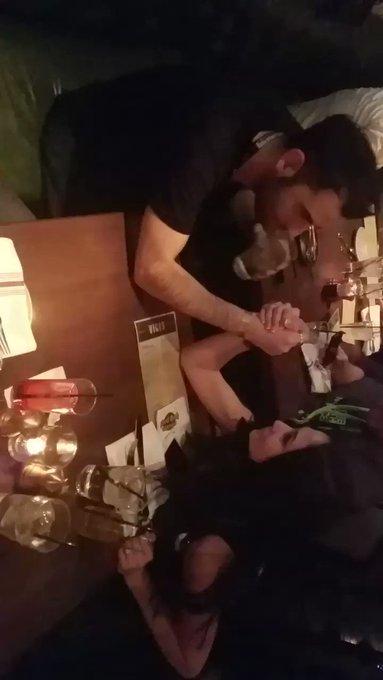 Little bit of arm wrestling 🤼 https://t.co/3R1qfcQxZV