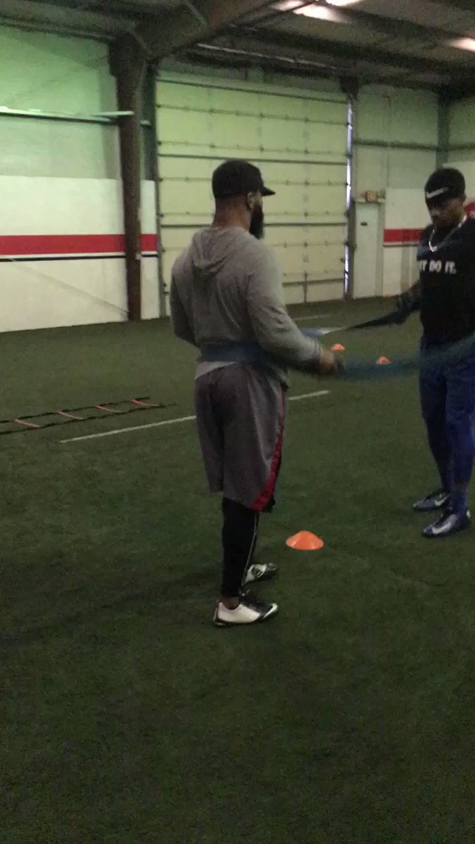 HOW CAN THEY BEAT YOU IF THEY CAN'T OUTWORK YOU?™® #IronSharpensIron https://t.co/Hk0ufQSfI7