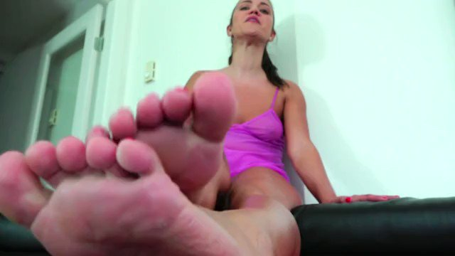 Get my latest #footworship #mindfuck #soles #footfetish clip! @iWantClips https://t.co/Z8C8RwYctS https://t