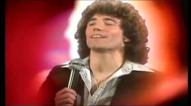 Happy 66th birthday to Kevin Keegan. As it\s day here he is spreading the message of love!