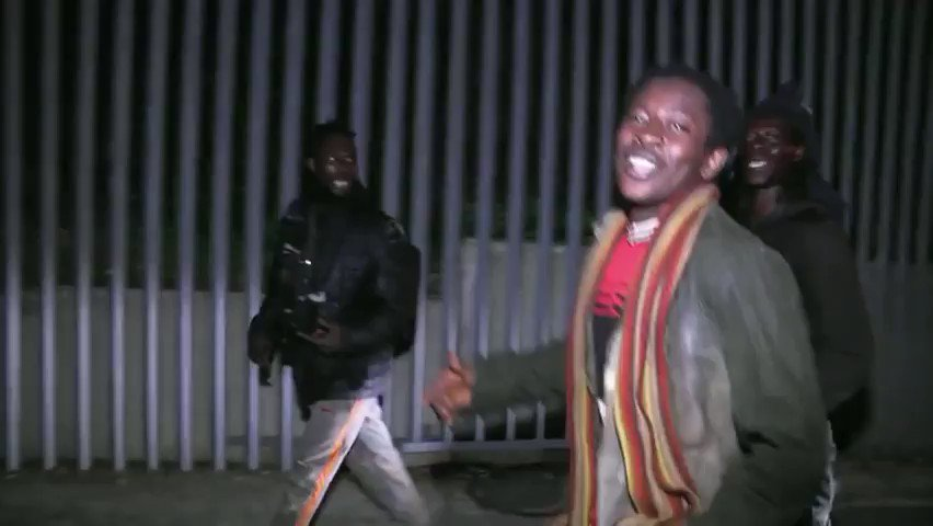 'Freedom!' 100s of migrants celebrate after breaking through EU border fence (VIDEO)