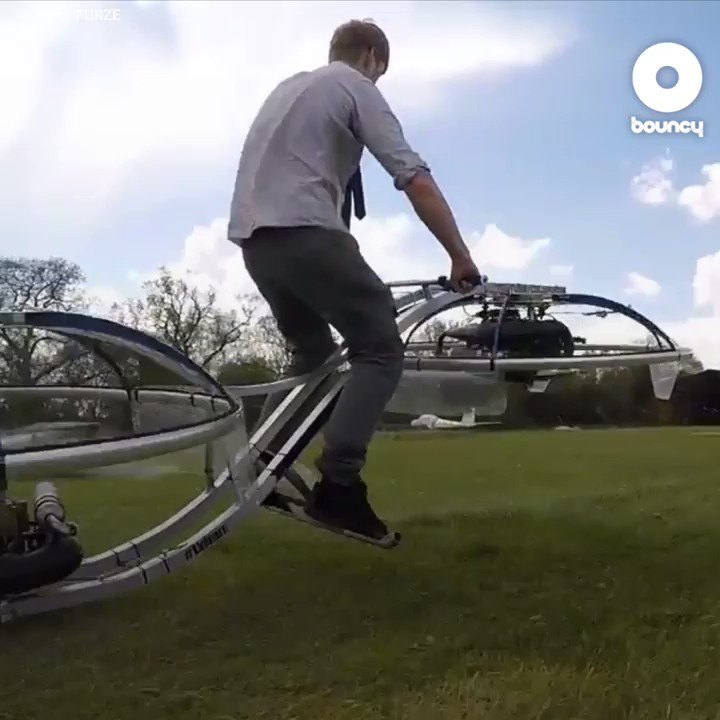 RT @bouncy_news: ハイテンションな発明家が「空」を飛ぶ! #空を飛