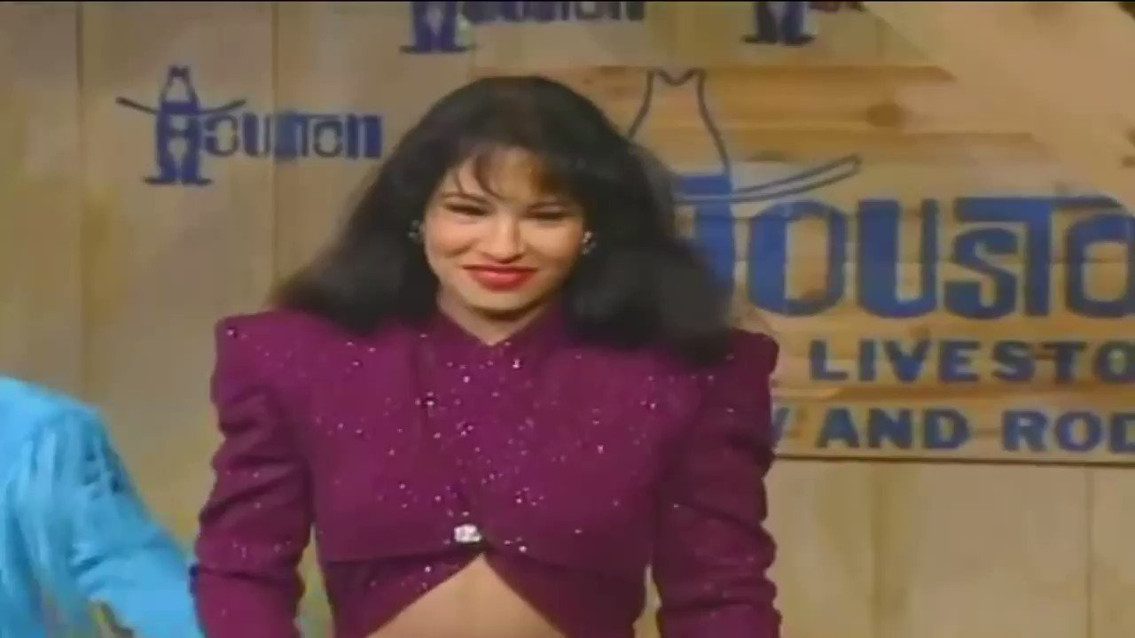 February 26, 1995: Selena headlines the Houston Livestock and Rodeo Show for the last time to a crowd of 67,000+ people @ the Astrodome. 💜 https://t.co/agfcYTmwR0