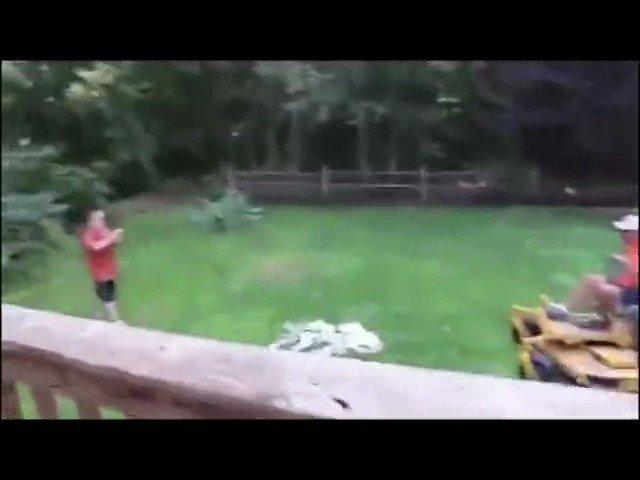 父親にゲームソフト破壊されたニートの動画にオルフェンズのED合体させて遊んでる