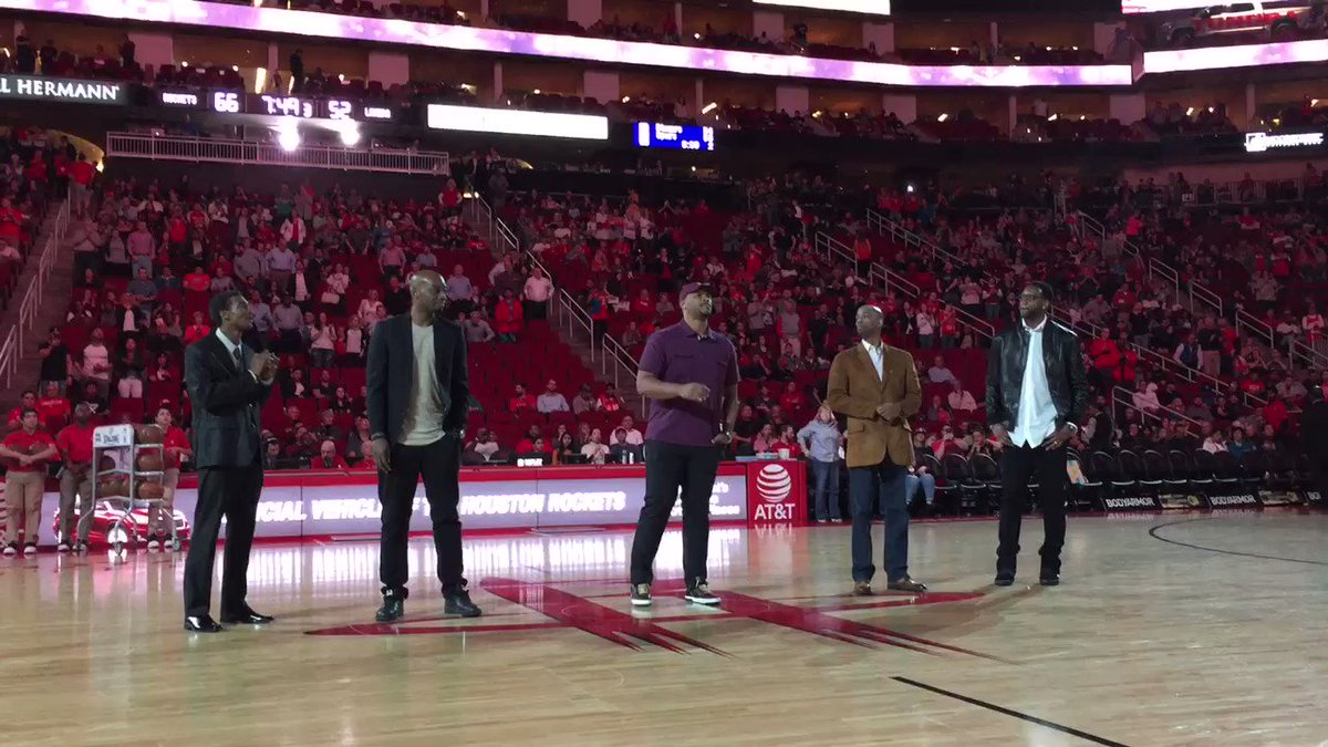 22-game win streak squad! #Rockets50 https://t.co/PM6BXryFcp