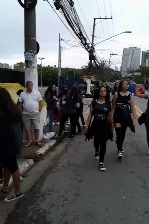 Fila do Citibank #TWTBrazil #BTSimBrazil https://t.co/9aUAh7zFU5
