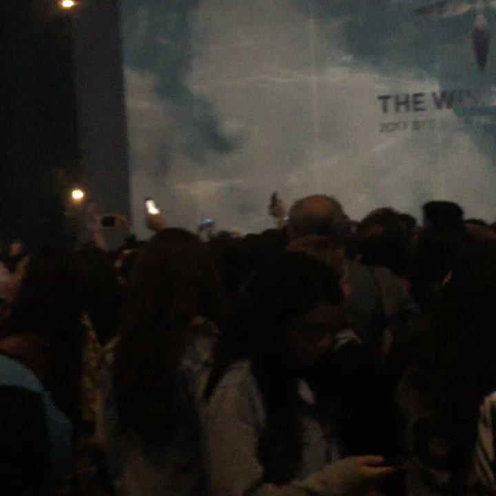o coro de fire, GENTE QUE LINDO #BTSinBrazil #TWTinBrazil https://t.co/7ve7eVIY6o