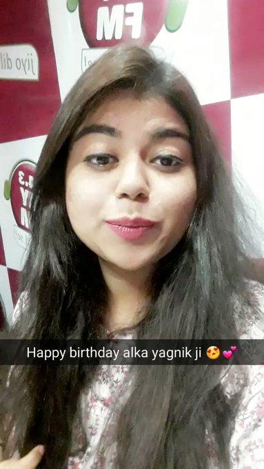 Happy birthday to alka yagnik ji! Queen of singing!