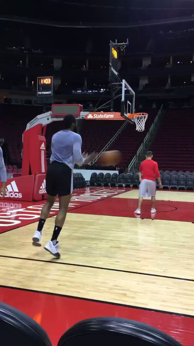 Morning work. #Rockets50 https://t.co/dB6iW01k2u