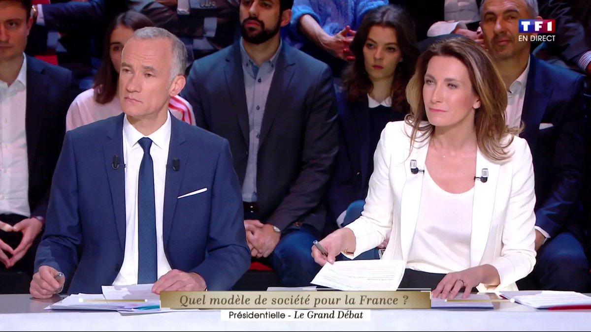 Quel gamin Mélanchon <3 #LeGrandDebat https://t.co/90lle8Ypmb