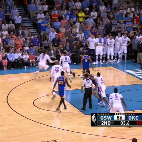 Another day, another Steph 3 at the halftime buzzer. #SCtop10 https://t.co/m86vGy5YPR