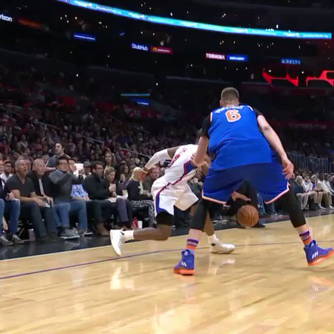 Chris Paul was dancing. �� #SCtop10 https://t.co/oe0JDf2j99