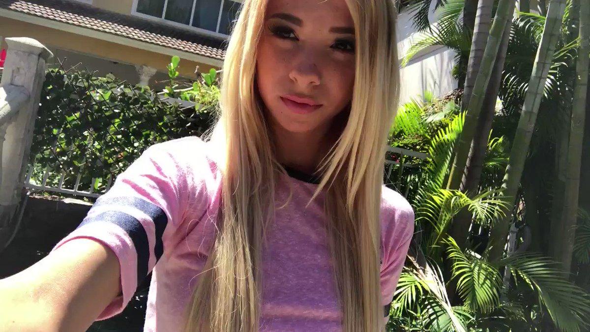 Cute teen girl Kenzie Reeves fucks her stepdad while her mom watches № 1647748 без смс