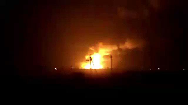 'Горит самый большой на Украине склад боеприпасов': население города Балаклея эвакуировано из-за пожара и взрывов