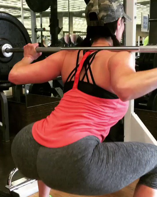 #TBT #GirlsThatLift #sexy #Booty🍑 https://t.co/zGroVw2cAr
