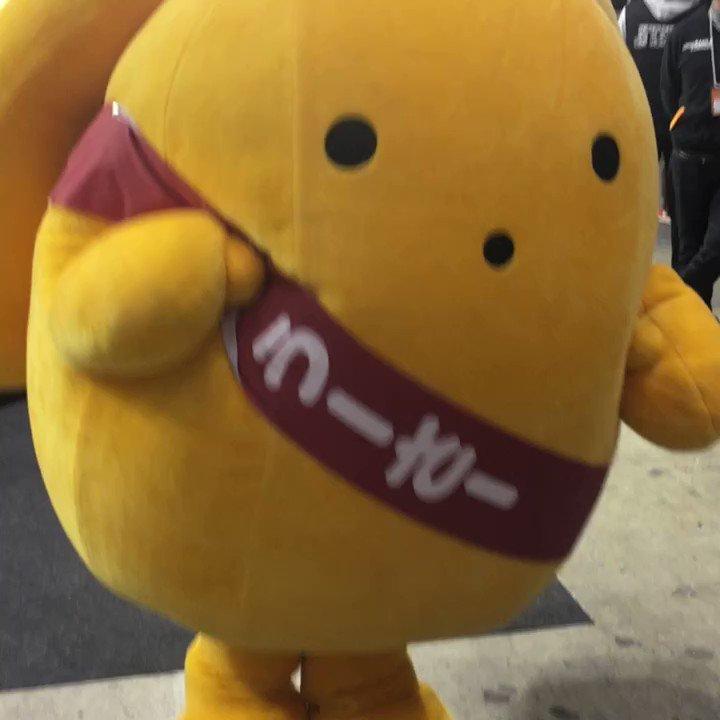 未来のギャルに向かって手を振るうーさーさま! #うーさー #animejapan
