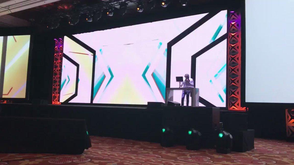 noemiiquezada: #Magentoimagine keynote is about to start!! https://t.co/Wf1SjBD1aH