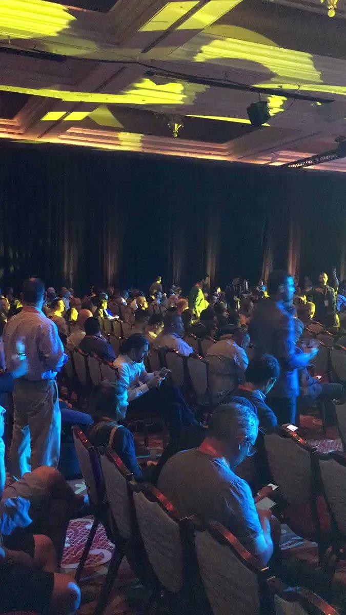 Mathijs_Kok: Keynote it is #MagentoImagine https://t.co/Dx5suUchmU