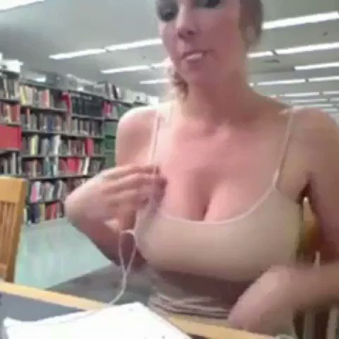 Happy Friday 😜 #rickrolled #kendrasunderland #library https://t.co/C2BlowDqF5