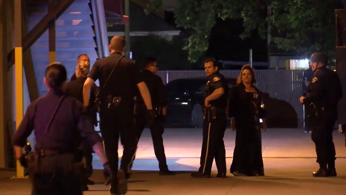 Police officers forced to keep the peace after fight breaks out during wedding in San Jose. https://t.co/zU7HKUDzrU
