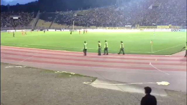 #Tachira Después de esta pita en Pueblo Nuevo, la GN lanzó lacrimógenas cerca del estadio https://t.co/pmHphlQXWA