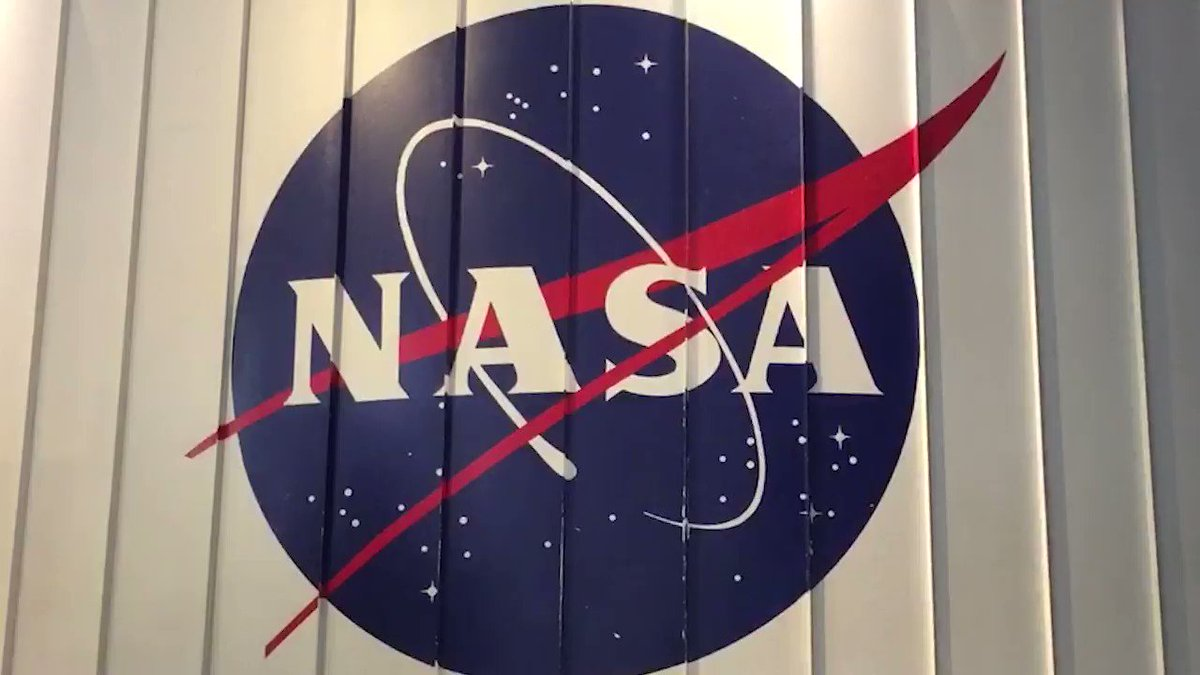 スヌーピーはNASAのアポロ計画の公式マスコット🐶そして、アポロ10号の月司令船の愛称が「チャーリー・ブラウン」、月着陸