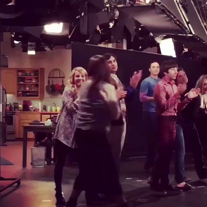 Season Finale Tape night! Love all these people & love you all for watching @bigbangtheory ❤️ https://t.co/tANYB9peIr
