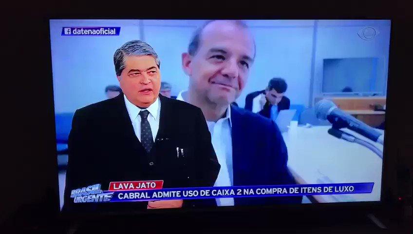"""""""Bolsonaro recebeu da JBS R$ 200mil. Sabe o q ele fez? Fez um cheque e devolveu"""". Parabéns ao @DatenaOficial , primeira TV a divulgar. https://t.co/hBd12Ja747"""