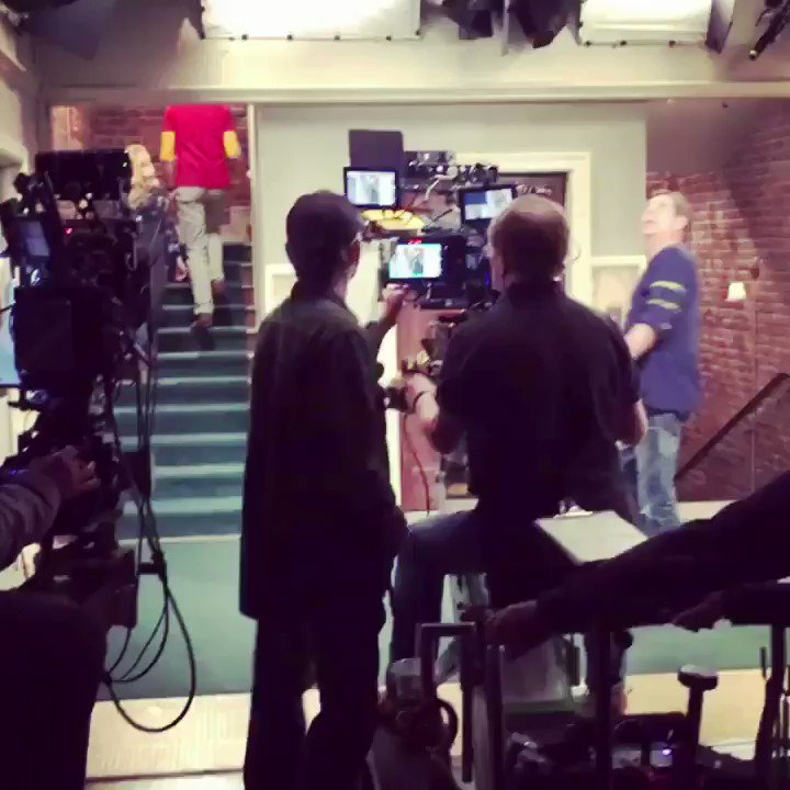 Workin' those stairs taping tonight's @bigbangtheory season finale! https://t.co/08rOe9D5IU