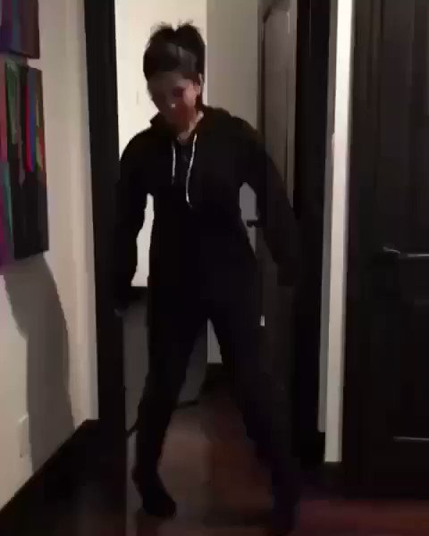 You all wish you had these moves!!! Haha #onsiedanceoff https://t.co/8MSdFZ0AEY