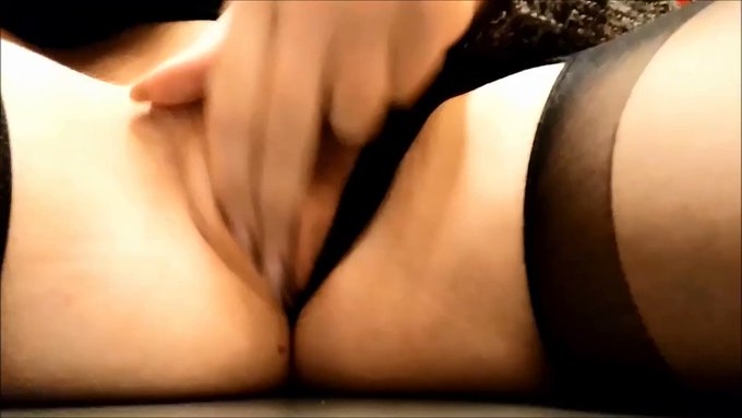 Playing with my Pussy While out in Public! ♥ Full video available here→https://t.co/C23T0KGGgB https://t