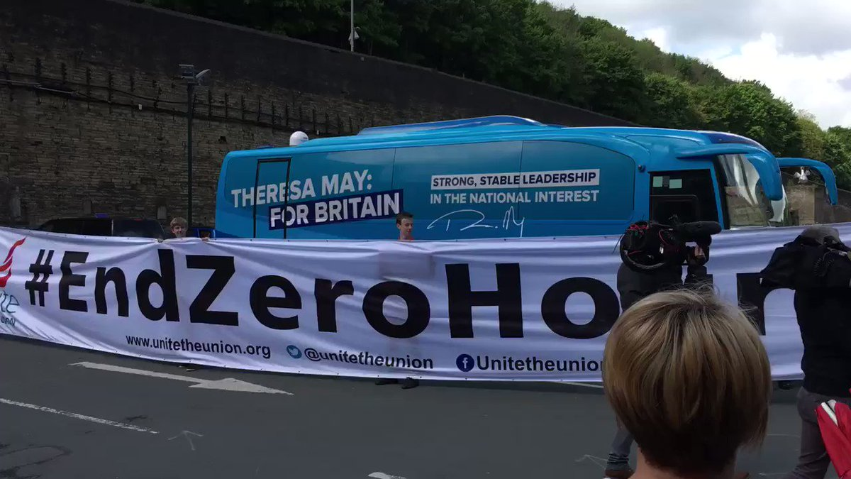 At manifesto launch in front of May battlebus, anti-Tory union protesters unfurl Zero hours contract banner https://t.co/Uy4qpmNxUe
