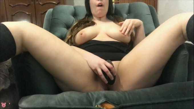 """Chubby Girl Orgasm with my toy BBW"" by @Leinasex on 🐷 https://t.co/UsPuRs7dYZ https://t.co/KvJiaqX4"
