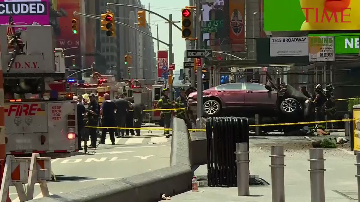 1 dead, 22 injured after car plowed through crowded Times Square https://t.co/fmByyD0o5E https://t.co/Ud2AjkUEsn