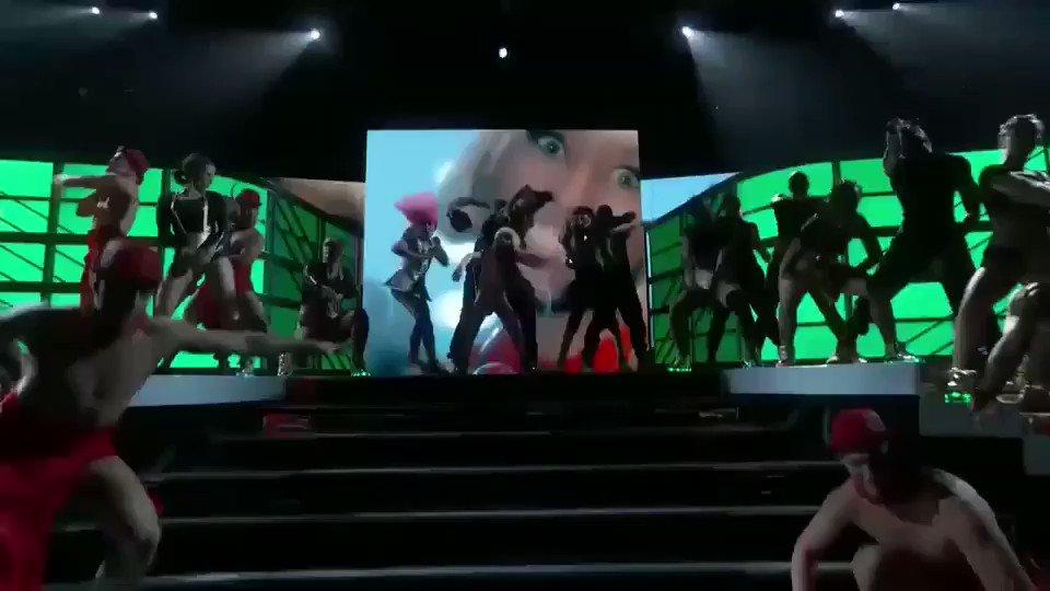 #NoFrauds #BillboardMusicAwards ???????? https://t.co/tQDw4hQ47Z