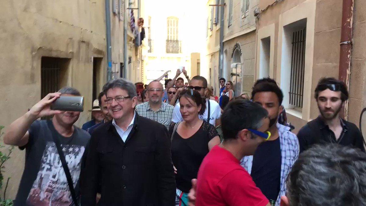 On est en train de mettre l'ambiance à #Marseille ! 😄