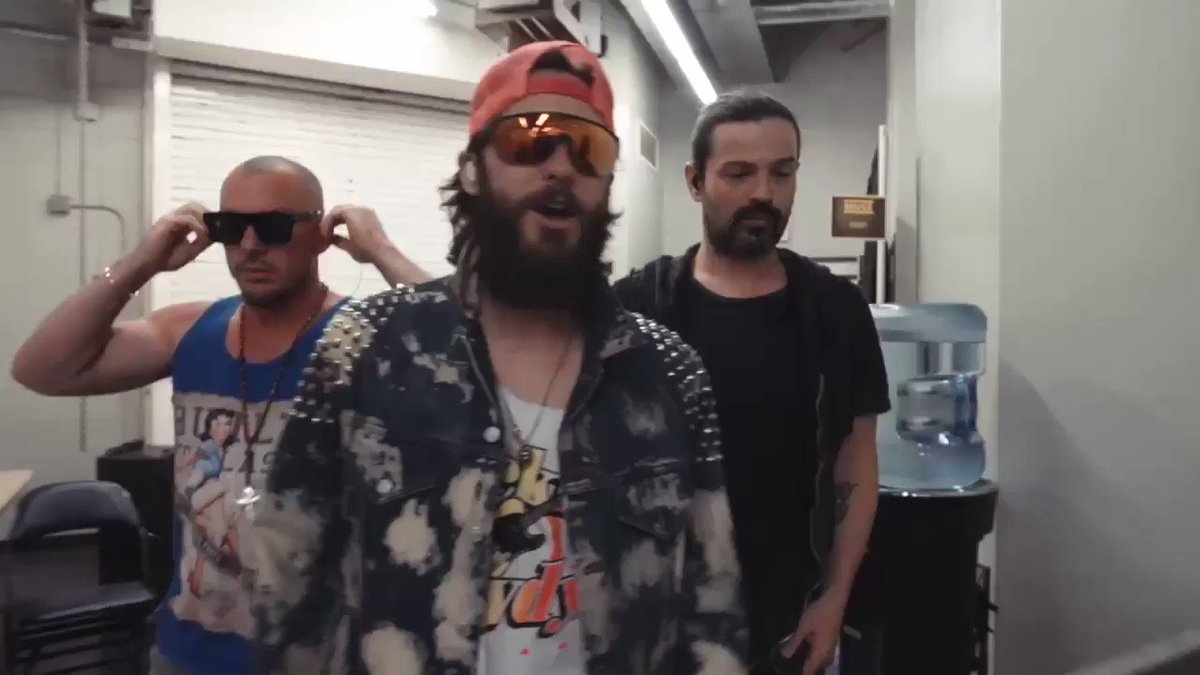 RT @30SECONDSTOMARS: New Orleans pre-show warm up ???????? https://t.co/XJ1PbWRVoq