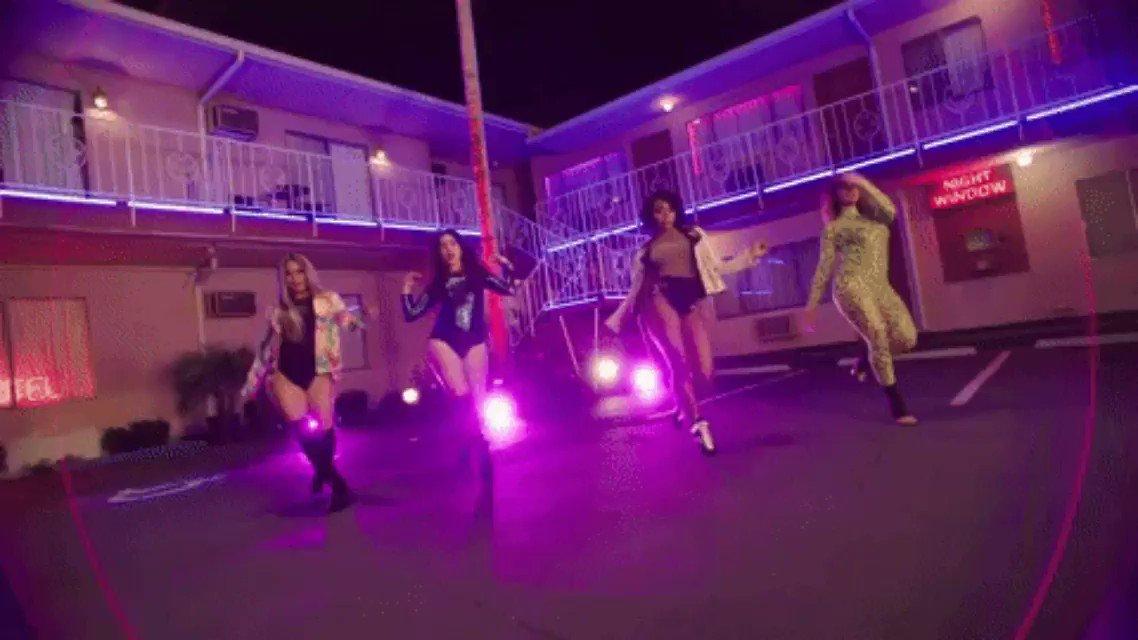 .@FifthHarmony debuts as a quartet on the #Hot100 chart with 'Down' https://t.co/blNIa21bsc https://t.co/Cs6nhR0wSm