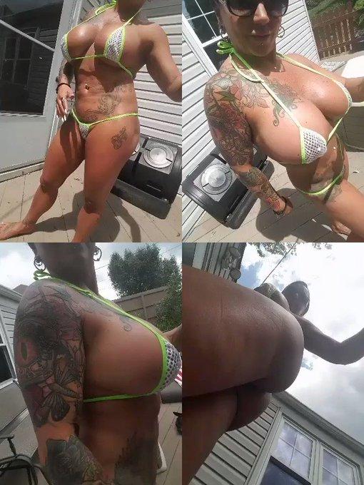 #MILF #tanning #BigBoobs wearing my @BitsysBikinis https://t.co/gPUvwivBJB