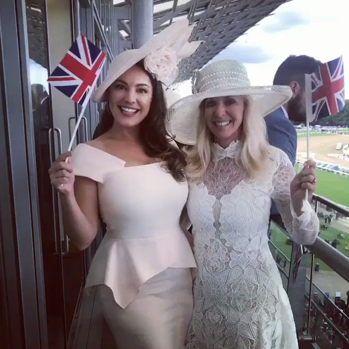 Beautiful Sheri and I in the Royal Enclosure waiting for The Queen ???? https://t.co/DuxjFbjy6o