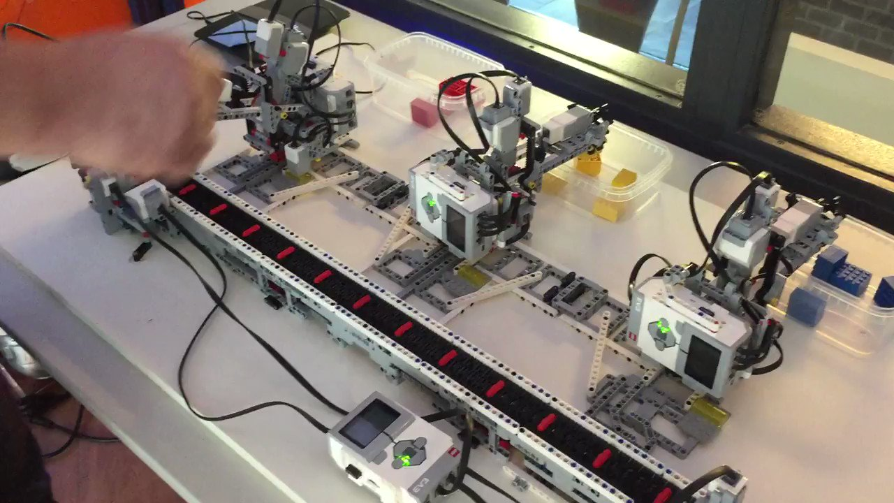 Elixir + Nerves + Lego Mindstorms communicating over the network: https://t.co/YJ1rH6V2io
