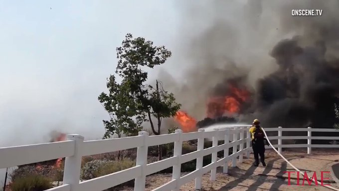 RT @TIME: Massive wildfire ravages California coast https://t.co/utRMCvZoDp https://t.co/Mcec9cvJGH