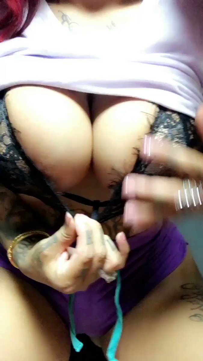 Come watch me CUM at https://t.co/jUulPVDNds �������� #HomeRunDerby2017 https://t.co/jMEtzfl5GX