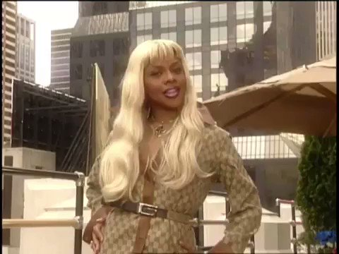 Happy birthday to queen bee lil Kim who always make me feel like a bad bitch everytime I listen to her music