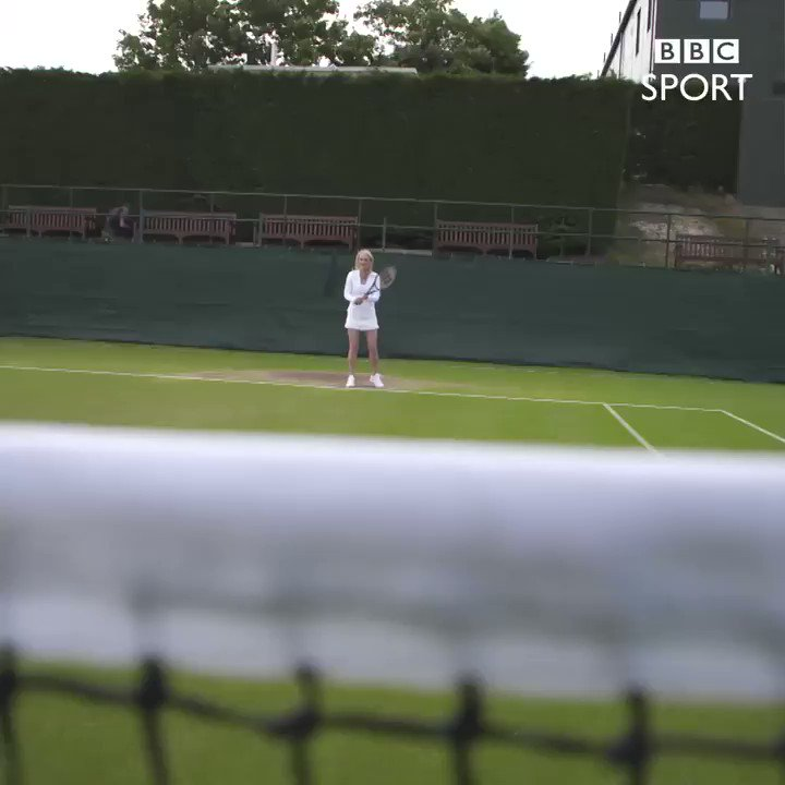 Cracking shot by @thetracyaustin ��  Straight at our cameraman   #Wimbledon https://t.co/iyo09TyXfo