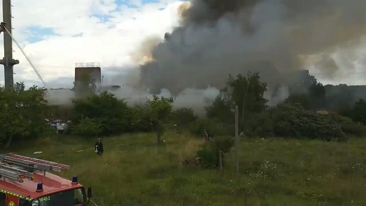 Großer Brand in Waren (Müritz). #Feuerwehr mit großem Aufgebot im Einsatz. #ffw #feuer