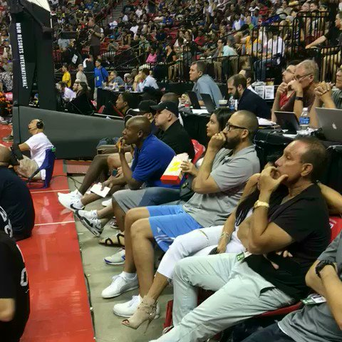 Grit. Grind.  Coach Fizdale locked in as his @memgrizz are in overtime! #NBASummer https://t.co/ICfKYMGmRC