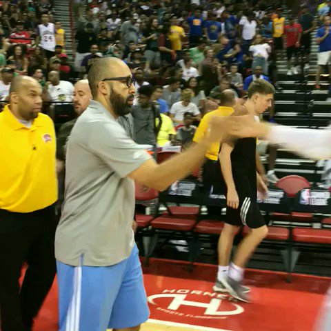 Love from Coach Fiz! @memgrizz advance in thriller! #NBASummer https://t.co/ADVSNOegs4