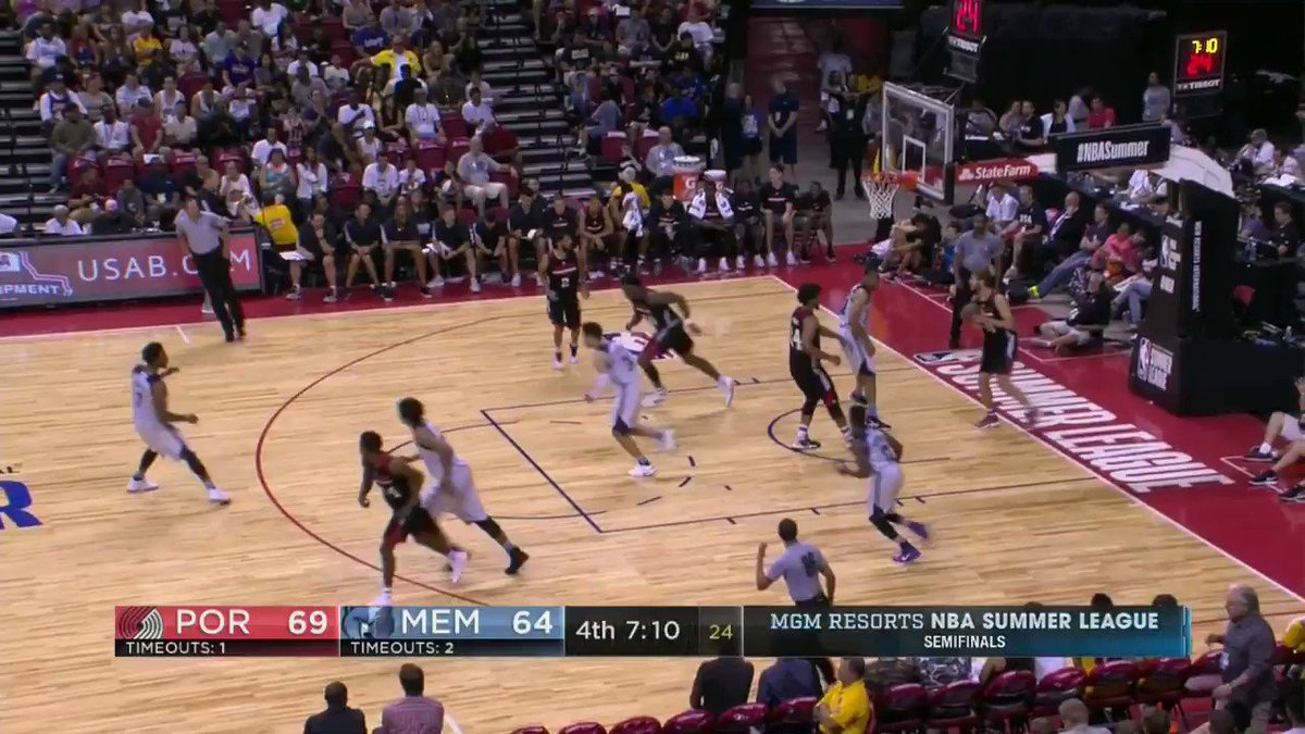 The @trailblazers hold a slight edge in the final minutes of the @NBASummerLeague Semifinal on ESPN2! https://t.co/28uf8uEMYq